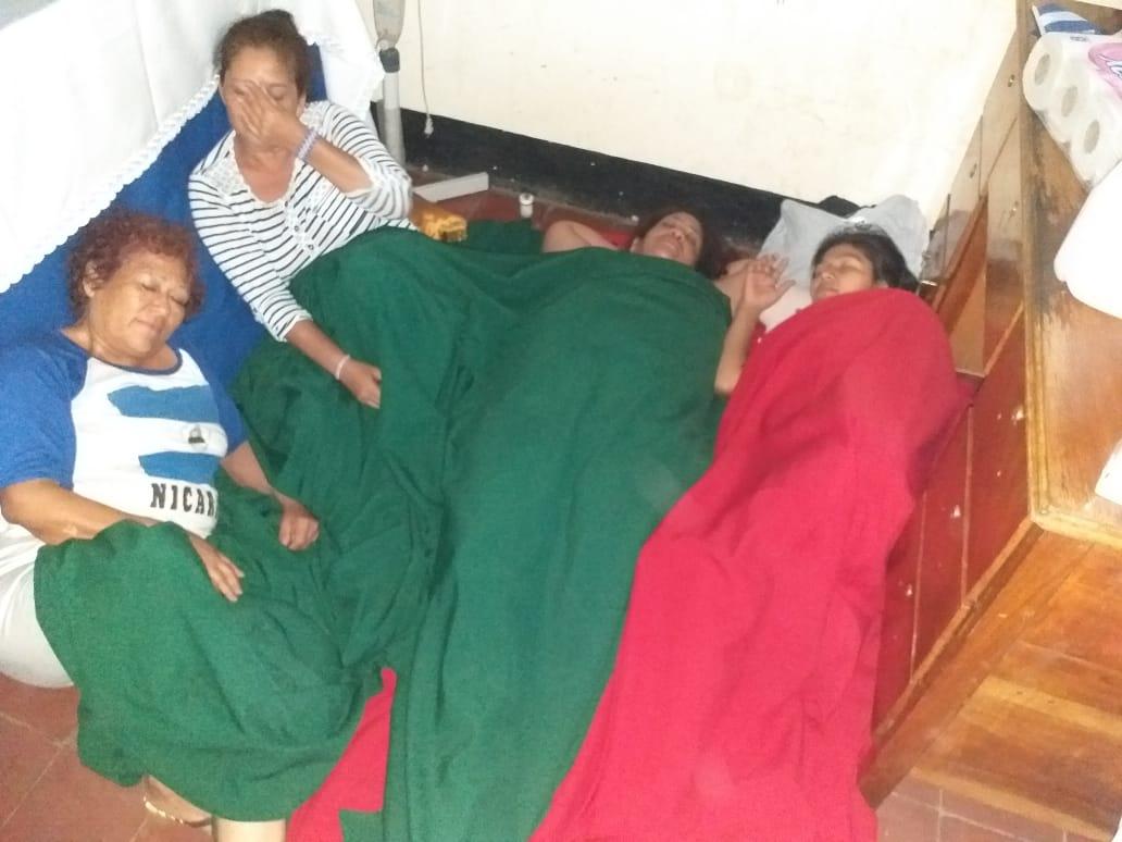 Lanzan un SOS tras la complicación de salud de la abogada Yonarqui Martínez, padre Edwin Román y tres madres que cumplen ocho días en huelga de hambre