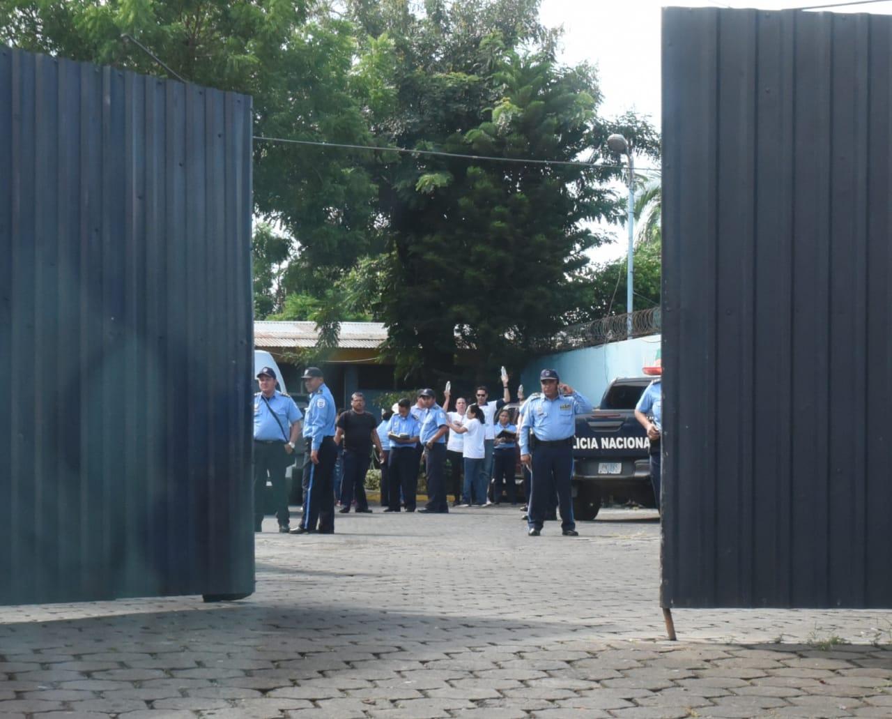 Brutal operativo policial en Masaya y Managua para impedir el paso de agua para familiares de presos políticos