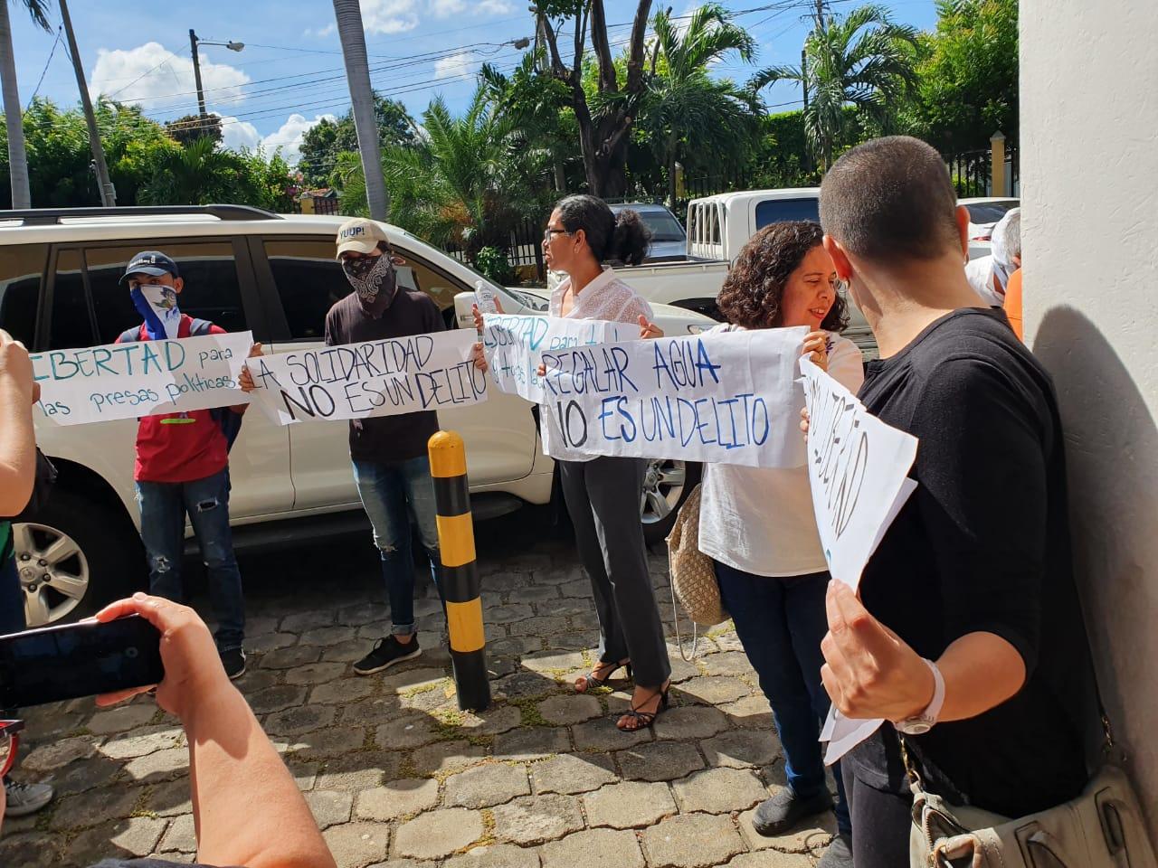 Realizaron un piquete exprés en demanda de la libertad de todos los presos políticos. Foto: Álvaro Navarro / Artículo 66