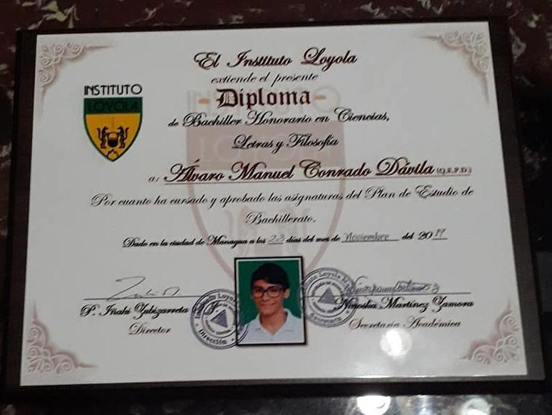 Diploma de bachiller de Alvarito Conrado. Foto: Cortesía / Artículo 66