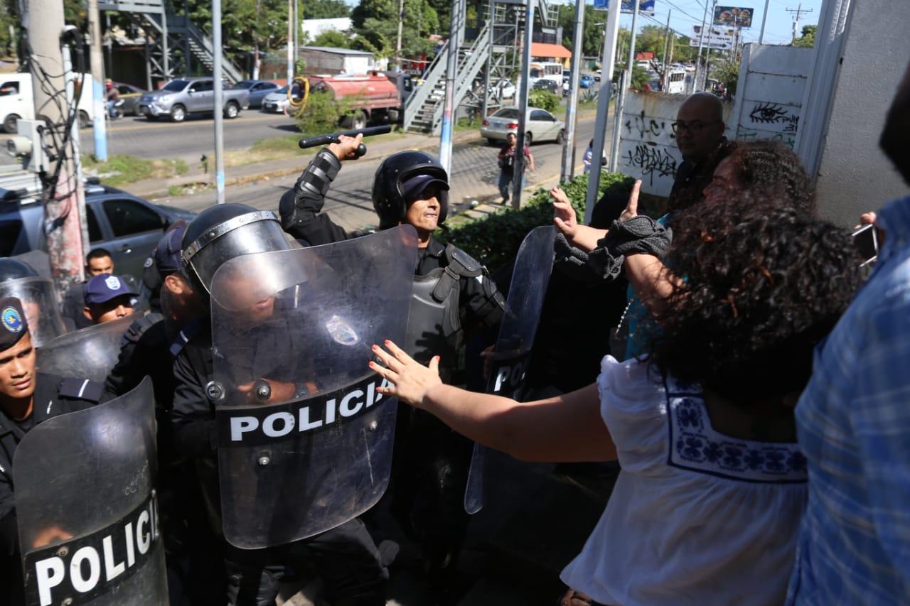 """Dictadura pretende imponer a periodistas independientes la """"ley del bozal"""", asegura el padre Edwin Román. Foto: END"""