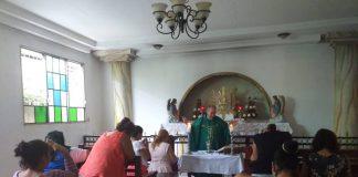 Padre Edwin Román afectado de salud y dos madres están por colapsar tras cinco días en huelga de hambre