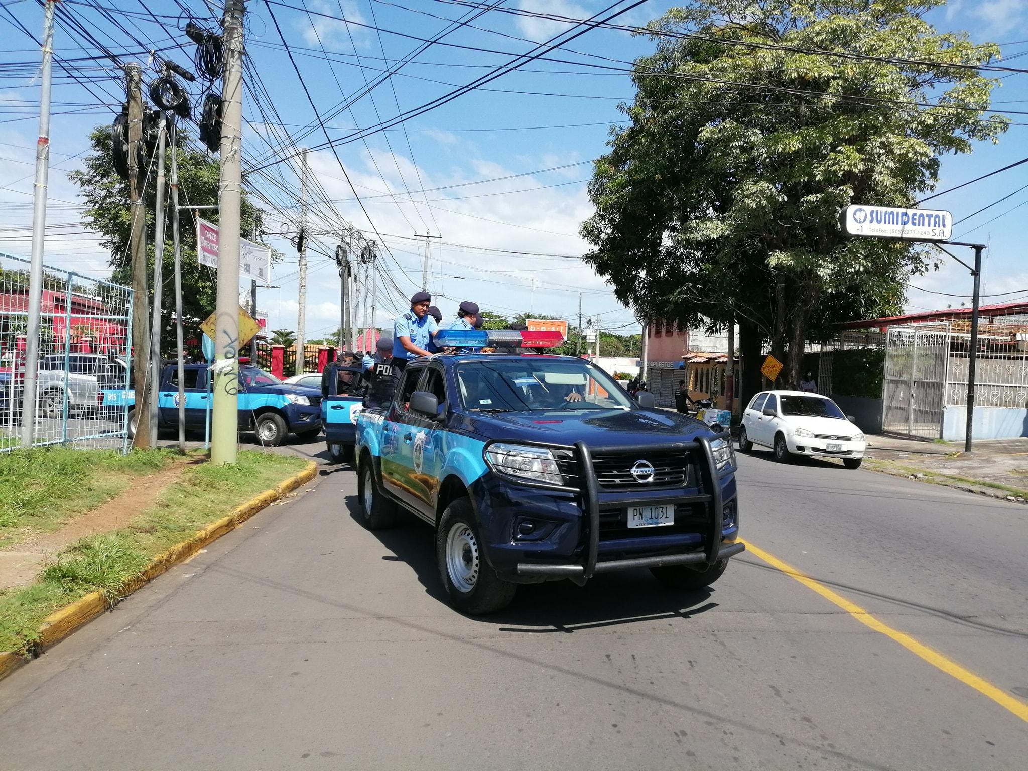 Policías asediando actividad de opositores de Nicaragua. Foto: Ilustrativa/ Noel Miranda/Artículo 66