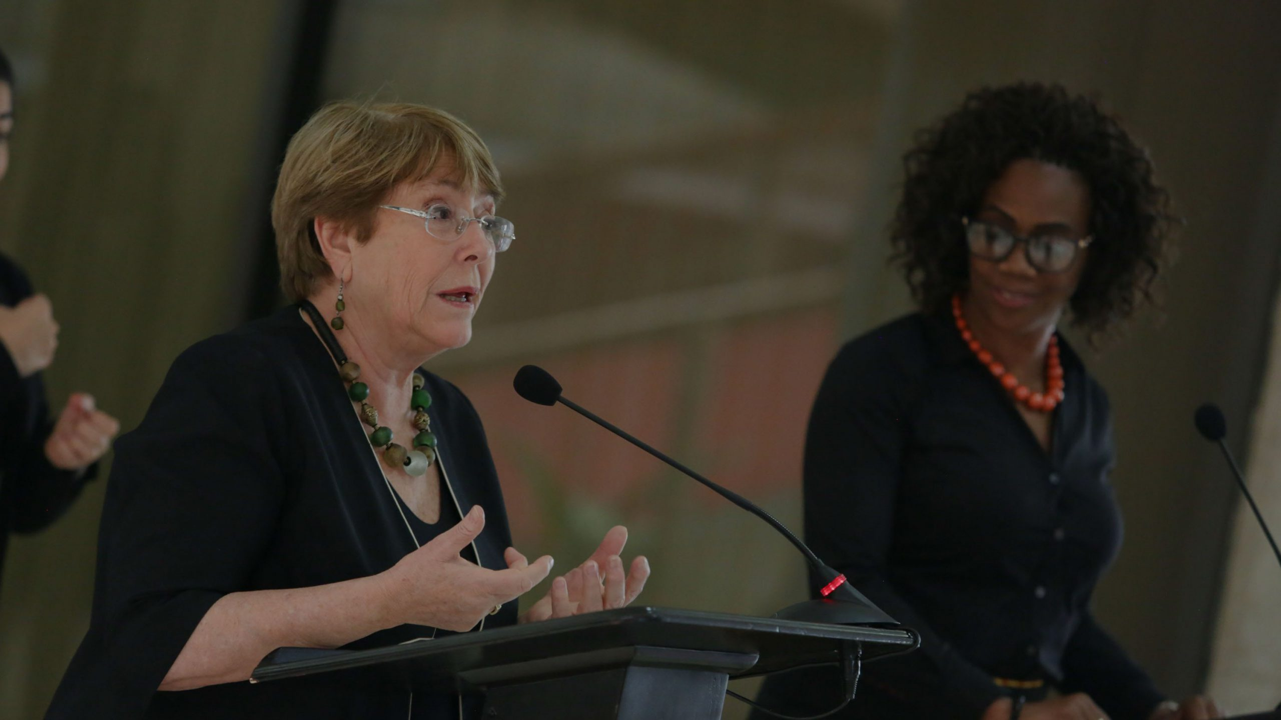 Michelle Bachelet junto a la vicepresidente de Costa Rica, Epsy Campbell Barr.