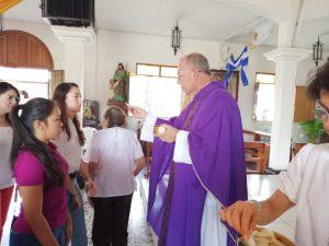 Padre Edwin Román, párroco de la iglesia San Miguel Arcángel de Masaya. Foto: Noel Miranda/Artículo 66