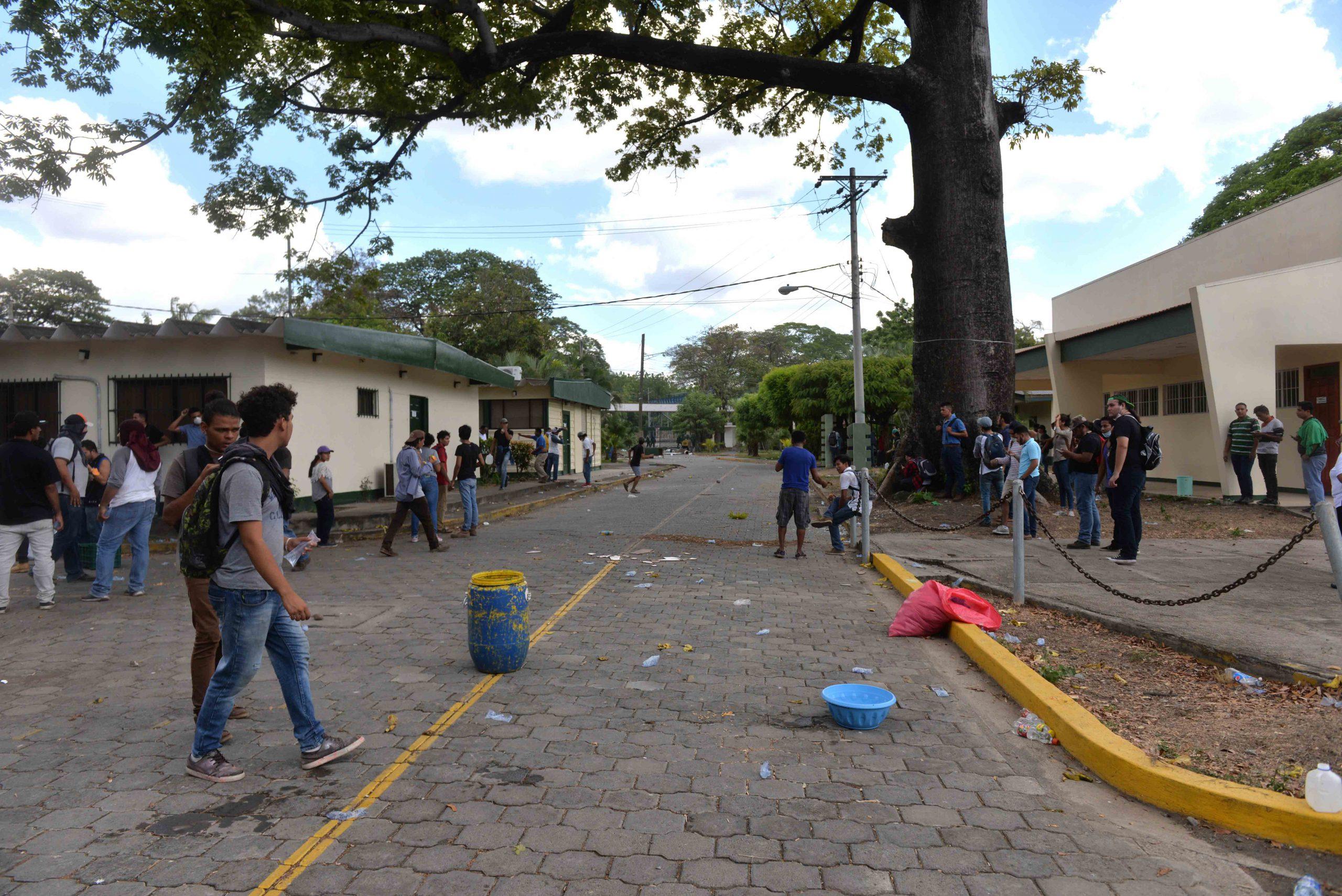 UNA amenaza a estudiantes con retirar matrícula, si vuelven a «caer en actos de indisciplina». Foto: Cortesía