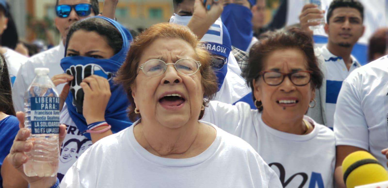Defensores de derechos humanos protestan contra el régimen de Daniel Ortega. Foto: G. Shiffman / Artículo 66