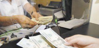 Crisis sociopolítica provoca reducción en la cartera crediticia de las microfinanzas. Foto: La Prensa