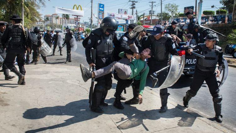 Daniel Ortega saco a sus oficiales de los cuarteles para reprimir a los nicaragüenses. Foto: Cortesía