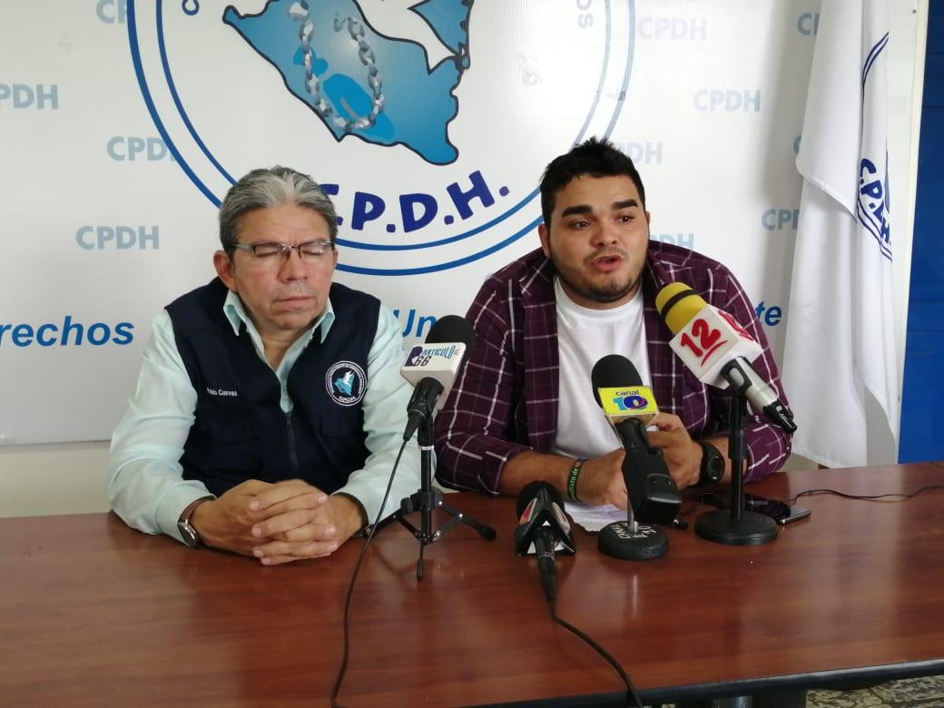 Excarcelado político Bayron Estrada identifica a paramilitares que asedian su vivienda en León. Foto: Geovanny Shiffman/Artículo 66