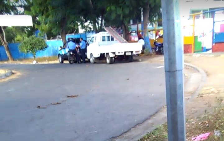 Asedio policial al excarcelado político Francisco Jiménez Rayo. Foto: Cortesía