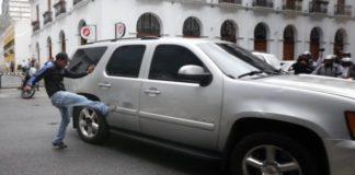 Luis Almagro condena ataque de paramilitares chavistas a diputados opositores. Foto: Cortesía