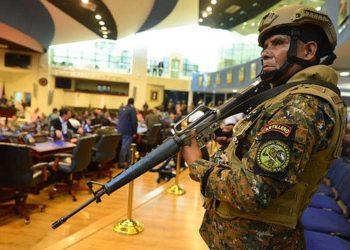 Fiscalía de El Salvador va contra el presidente Nayib Bukele por militarizar la Asamblea Legislativa