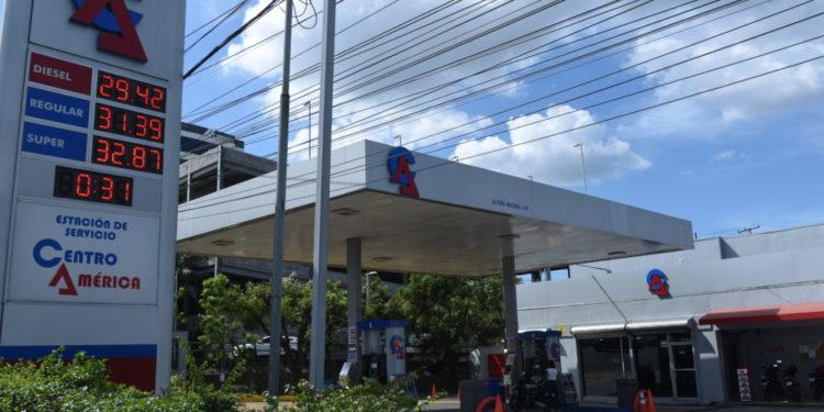 Daniel Ortega intenta evadir sanciones contra su millonario negocio de hidrocarburos. Foto: Tomada de internet.