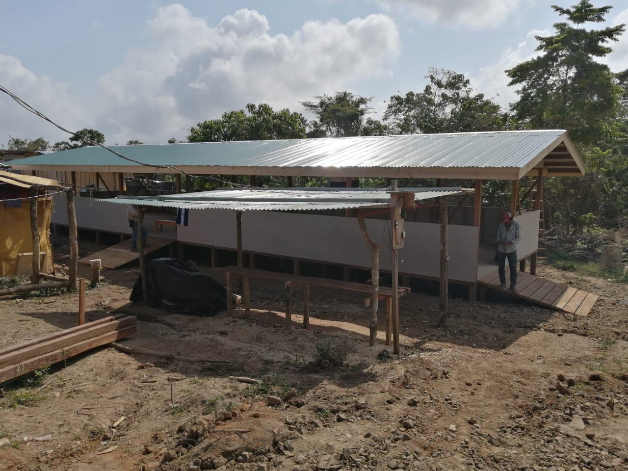 Campesinos organizan campamento para sobrevivir en Costa Rica. Foto: Cortesía.