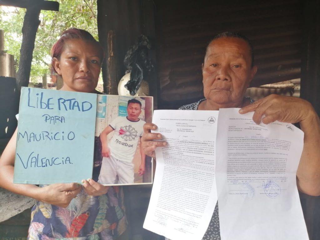 Familiares del preso político Mauricio Mendoza con dificultades económicas para llevarle comida al Sistema Penitenciario de Granada. Foto: Noel Miranda/Artículo 66