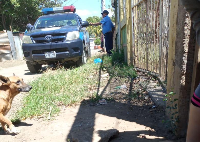 Casa de la exprisionera política Neyma Hernández, vigilada por una patrulla policial. Foto: Cortesía.