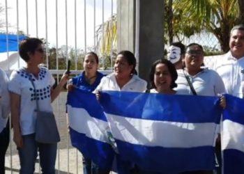 Excarcelados y activistas logran realizar piquete exprés en demanda de la libertad de los presos políticos