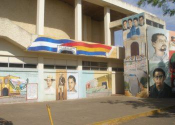 Estudiantes de odontología de la UNAN-León exigen a las autoridades académicas suspender clases presenciales para prevenir brotes del COVID-19. Foto: Cortesía