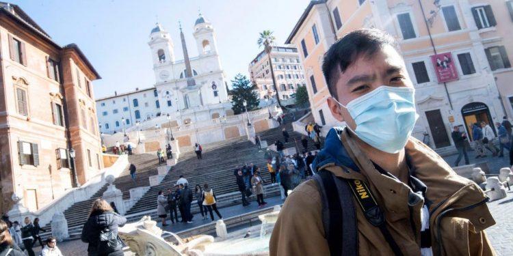 Italia se declara en cuarentena tras dispararse número de muertos por coronavirus