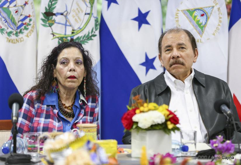 Vicedictadora Rosario Murillo junto al dictador de Nicaragua Daniel Ortega