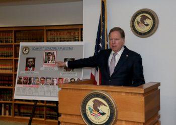 Nicolás Maduro es acusado de «narcoterrorismo» y Estados Unidos ofrece una recompensa de 15 millones de dólares