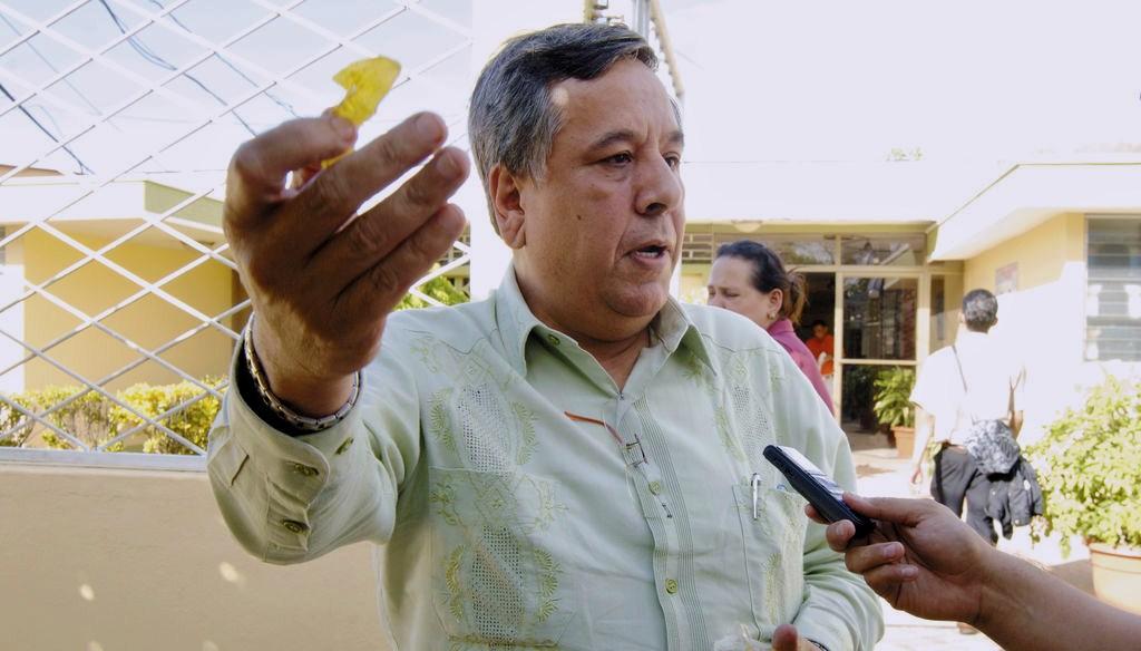 «Coronovirus no les va a hacer nada» por ser jóvenes, les dice el rector y diputado orteguista Mario Valle a los alumnos de la UdeM. Foto: La Prensa
