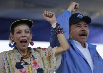 Rosario Murillo y Daniel Ortega, la pareja de dictadores de Nicaragua. Foto: AFP