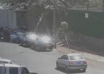 Policía intensifica asedio a las oficinas de la UNAB y Alianza Cívica