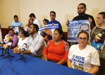 Familiares de presos políticos denuncian que fueron retenidos por la Policía orteguista. Foto: Álvaro Navarro / Artículo 66