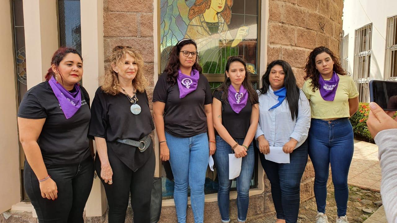 """Las integrantes de la Alianza Cívica denunciaron que las mujeres nicaragüenses en el contexto de la crisis han sido """"asesinadas, encarceladas, torturadas, violadas y obligadas al exilio"""". Foto: Álvaro Navarro / Artículo 66"""