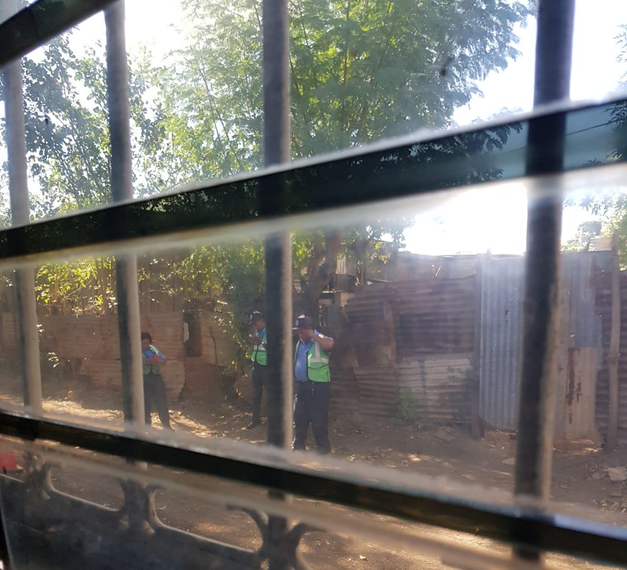 Policía orteguista mantiene asedio policial a exreo político William Balmaceda. Foto: Cortesía