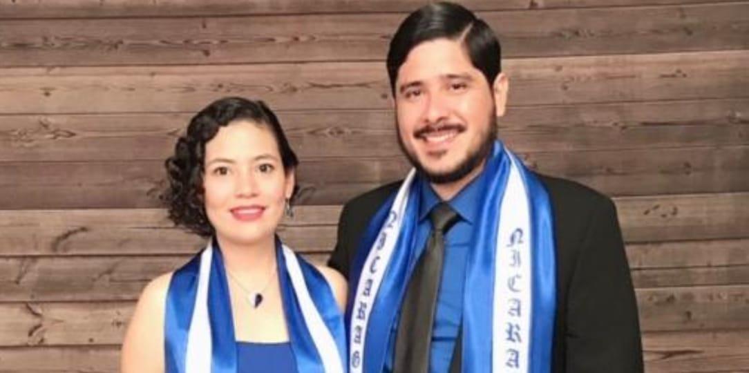 Exreo político Cristhian Fajardo junto a su esposa, María Adilia Peralta.