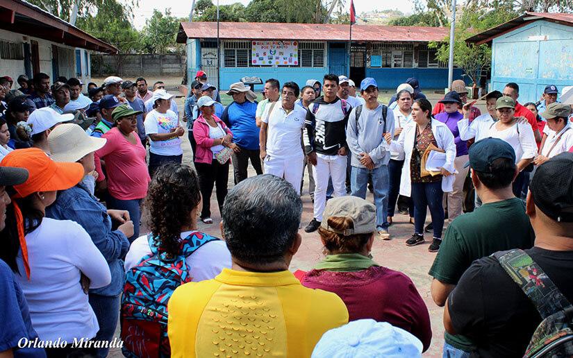 250 mil brigadistas, fanáticos y hasta oficiales de la Policía Nacional se desplegaron en los barrios, comunidades en amor al COVID-19. Foto: Tomado de Internet