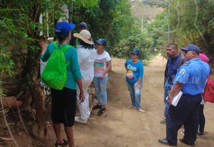 Brigadistas sandinistas realizan visita casa a casa para informar sobre el coronavirus. Foto: Cortesía