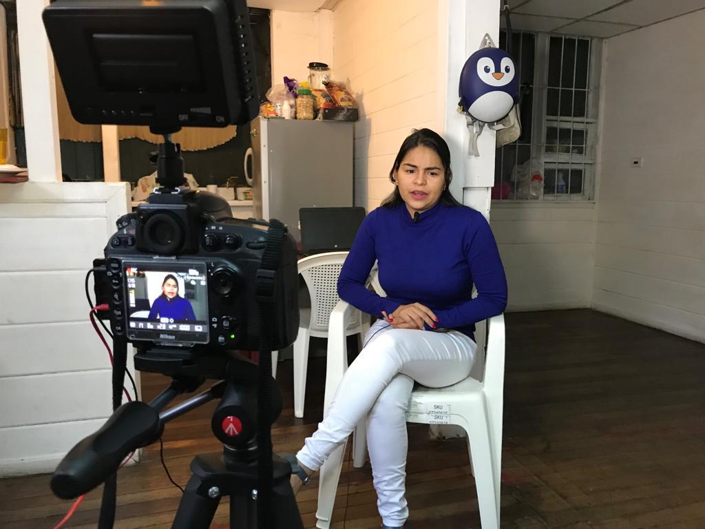Leticia Gaitán, presentadora y periodista de 100% Noticias, cumple 16 meses de estar exiliada en Costa Rica. Foto: Cortesía