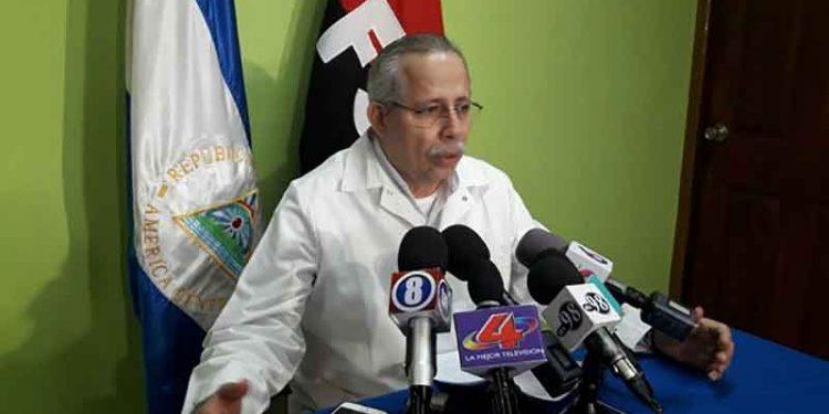 Minsa desaparece casos positivos del conteo de pacientes con COVID-19 sin explicación. En la Foto, el secretario general del Minsa, Carlos Sáenz.