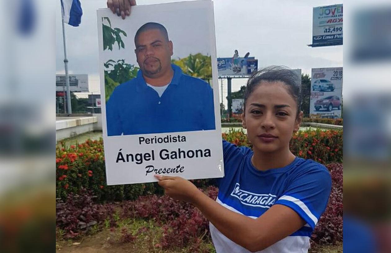 El periodista Ángel Gahona, quien fue asesinado el 21 de abril cuando transmitía por Facebook Live las protestas en Bluefields. Foto: Cortesía