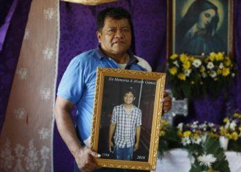 «No he tenido tranquilidad, no he podido ir al cementerio a ver los retos de mi hijo», denuncia el exguerrillero sandinista Álvaro Gómez. Foto: END