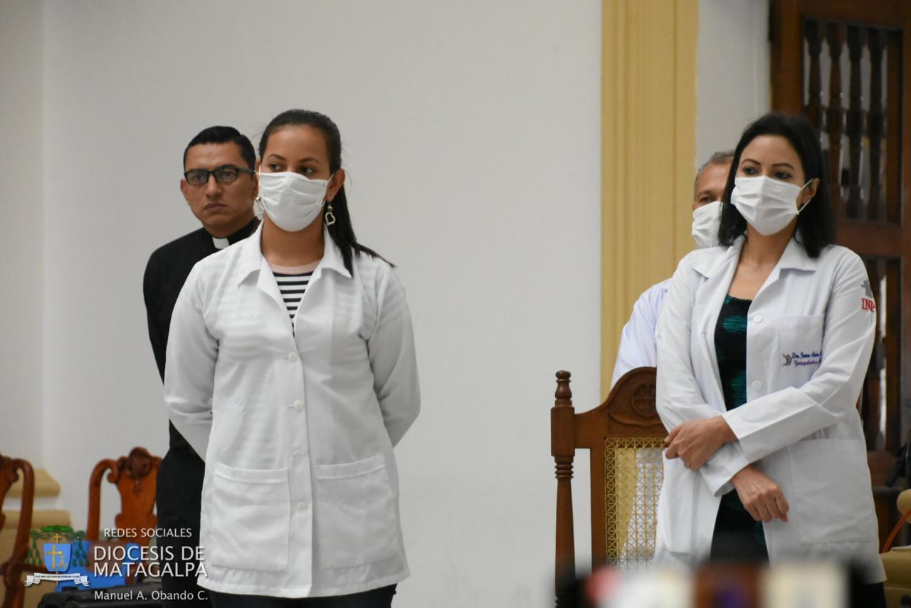 Parte del personal médico y de enfermería que atenderá en el Centro Médico de la Diócesis de Matagalpa. Foto: Cortesía.
