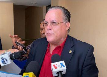 Empresario Leonardo Torres dice que los nicaragüenses «tenemos que aprender a convivir con el coronavirus». Foto: Nicaragua Investiga