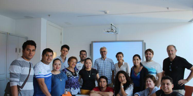 Profesionales nicaragüenses de salud en España buscan brindar sus servicios en hospitales de esa nación. Foto: Asociación Nicaragüita
