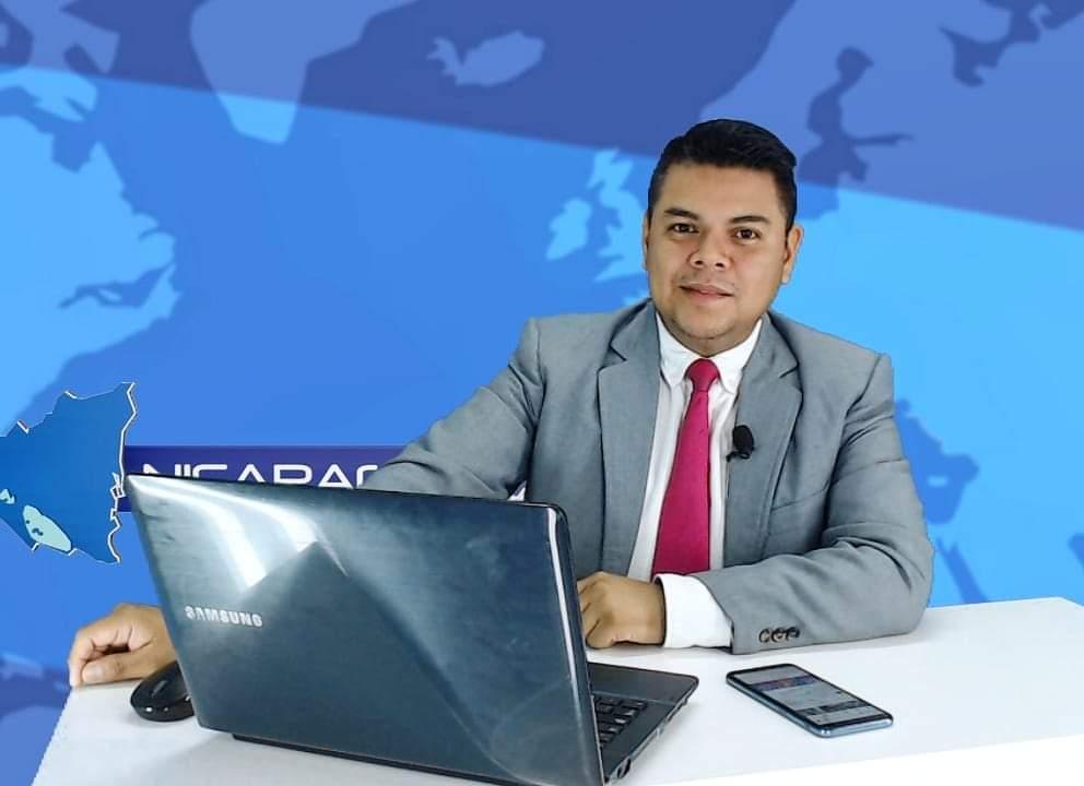 Héctor Rosales tiene 16 meses de estar exiliado en Costa Rica, a pesar de las limitaciones vividas continúa con el compromiso de informar. Foto: Cortesía / Artículo 66