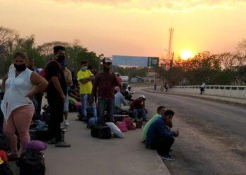 Régimen de Ortega bloquea el ingreso al país a un grupo de más de 80 nicaragüenses que se encuentran varados en Honduras y El Salvador. Foto: Cortesía