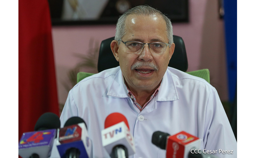 El secretario general del Ministerio de Salud, Carlos Sáenz es el encargo de realizar los reportes diario sobre casos de coronavirus
