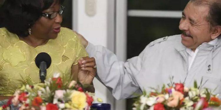 Carissa Etienne, de la OPS, junto a Daniel Ortega. Foto: Cortesía