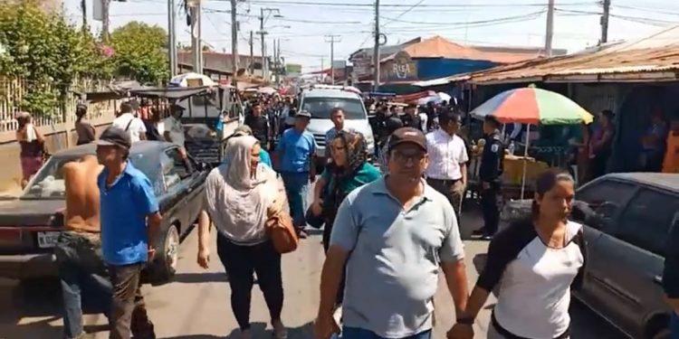 Orteguismo moviliza a su militancia para sepultar a expolicía en Tipitapa en medio de riesgo de contagio por COVID-19