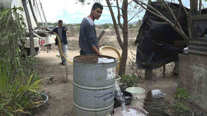 Habitantes de la comunidad Pie de Gigante, en el municipio de Tola. Foto: Portada de La Prensa