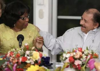 Directora de la OPS, Carissa Etienne, y Daniel Ortega. Foto: Tomada del 19 Digital