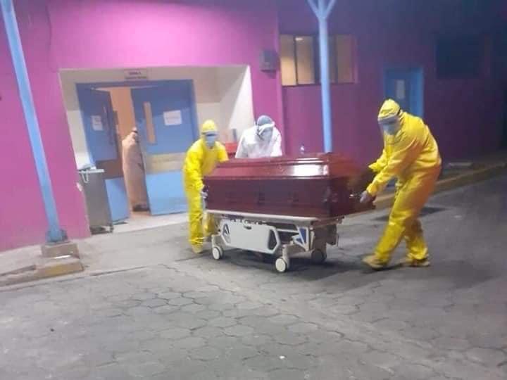Los entierros nocturnos se han disparado en los últimos días. Foto: Referencia / Tomada de Internet